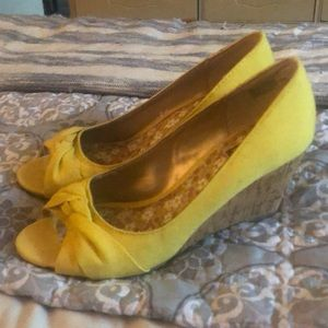 Yellow Mix No. 6 yellow canvas cork wedges size 8